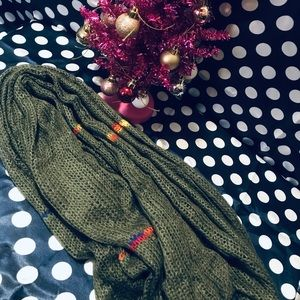 Long and warm green scarf! NEW!